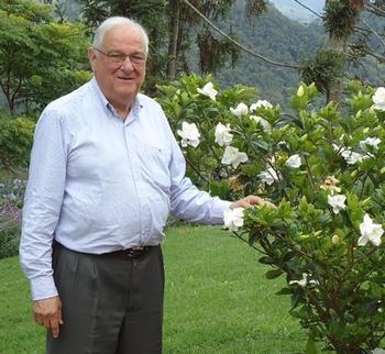 Dr Nelson Proença
