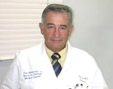 Prof. Dr. Osmar Pedro Arbix de Camargo, professor adjunto do  Departamento de Ortopedia e Traumatologia da Faculdade de Ciências Médicas da Santa Casa de São Paulo