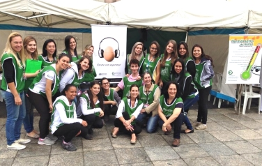 Alunos e professores de Fonoaudiologia participam da Feira da Saúde 2015