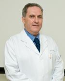 Dr. Rodolfo Delfini Cançado, clínico geral e professor da Faculdade de Ciências Médicas da Santa Casa de São Paulo.