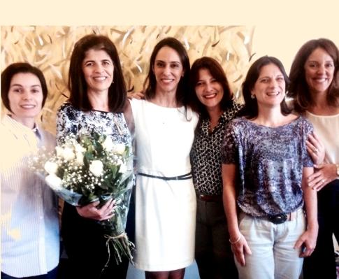 Na foto (da esq. p/ a dir.): Lilian Ferreira Muniz (UFPE), 2ª secr.; Katia de Freitas Alvarenga (FOB/USP), presidente; Alessandra Spada Durante, vice-presidente; Cristiana Magni (Unicentro), 2ª tesoureira; Maria Francisca C. dos Santos (Unicamp), 1ª tesoureira; Fátima C. A. B. Barreiro (Univ. Anhanguera), 1ª secretária