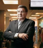 Dr. José Luiz Egydio Setúbal, ex-Santa (formado em 1981 pela FCMSCSP): novo provedor da ISCMSP