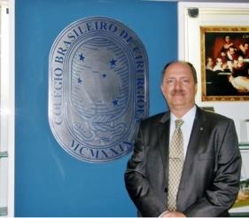 Dr. Paulo Roberto Corsi, professor assistente da FCMSCSP e novo presidente do Colégio Brasileiro de Cirurgiões para o biênio 2016-2017